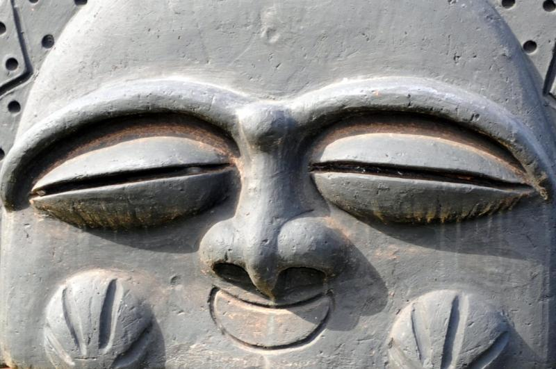 Statues d'argile, Trois îlets
