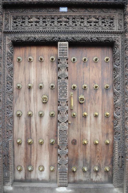 Porte dans les ruelles de Stone Town