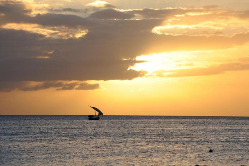 Soleil couchant sur la plage de Nungwi
